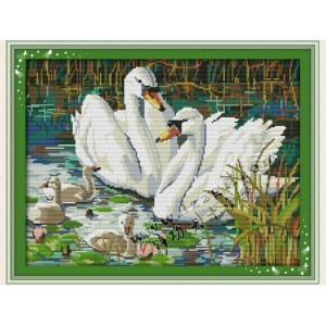"""Набор для вышивания крестиком """"Лебединая семья"""" D248"""